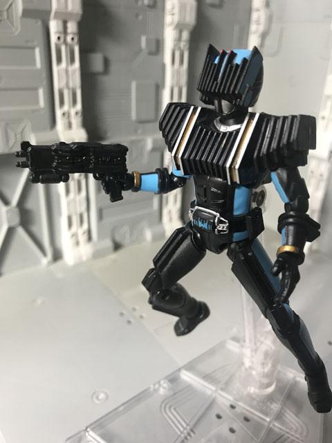 SHODO-X仮面ライダー2の3 仮面ライダーディエンド 銃を構えるポーズ2