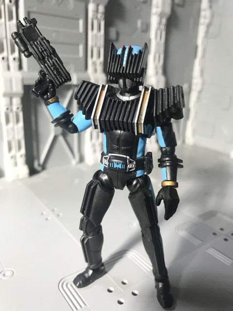 SHODO-X仮面ライダー2の3 仮面ライダーディエンド 銃を構えるポーズ4