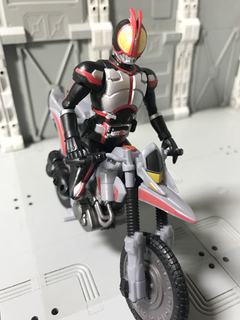 SHODO-X仮面ライダー2 オートバジン ビークルモード に乗るファイズ4