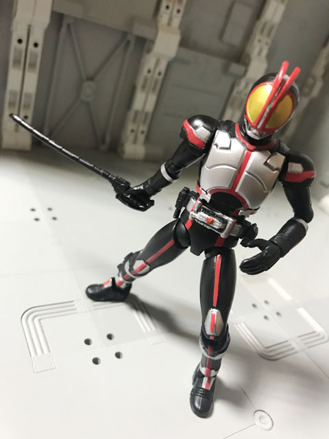 SHODO-X仮面ライダー2の1 仮面ライダーファイズ ファイズエッジを構える