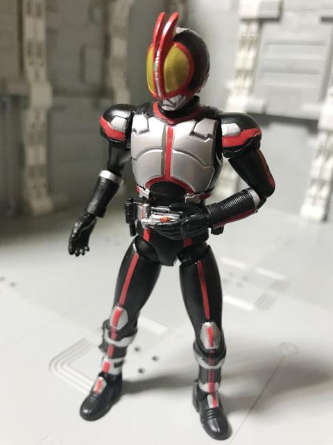 SHODO-X仮面ライダー2の1 仮面ライダーファイズ ベルトを操作