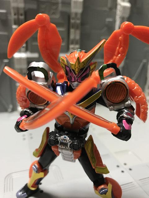 装動 仮面ライダージオウ RIDE5 仮面ライダージオウ 鎧武アーマー 剣を構えるポーズ3